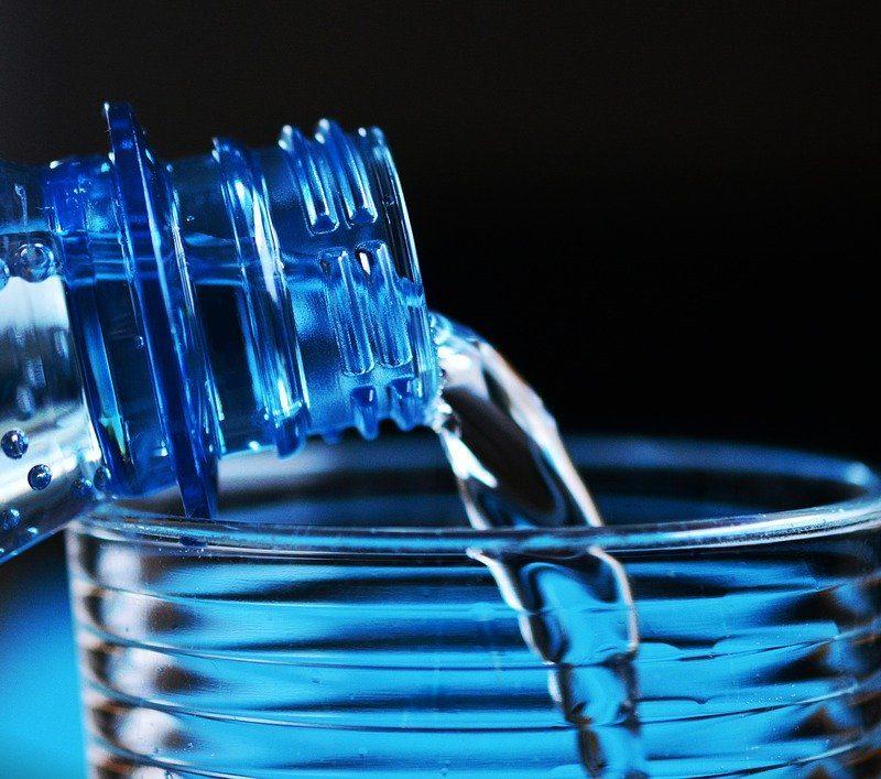 water-drinken-jetlag