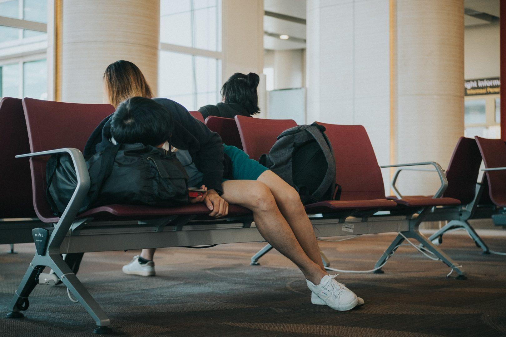 slapen-vliegveld-jetlag
